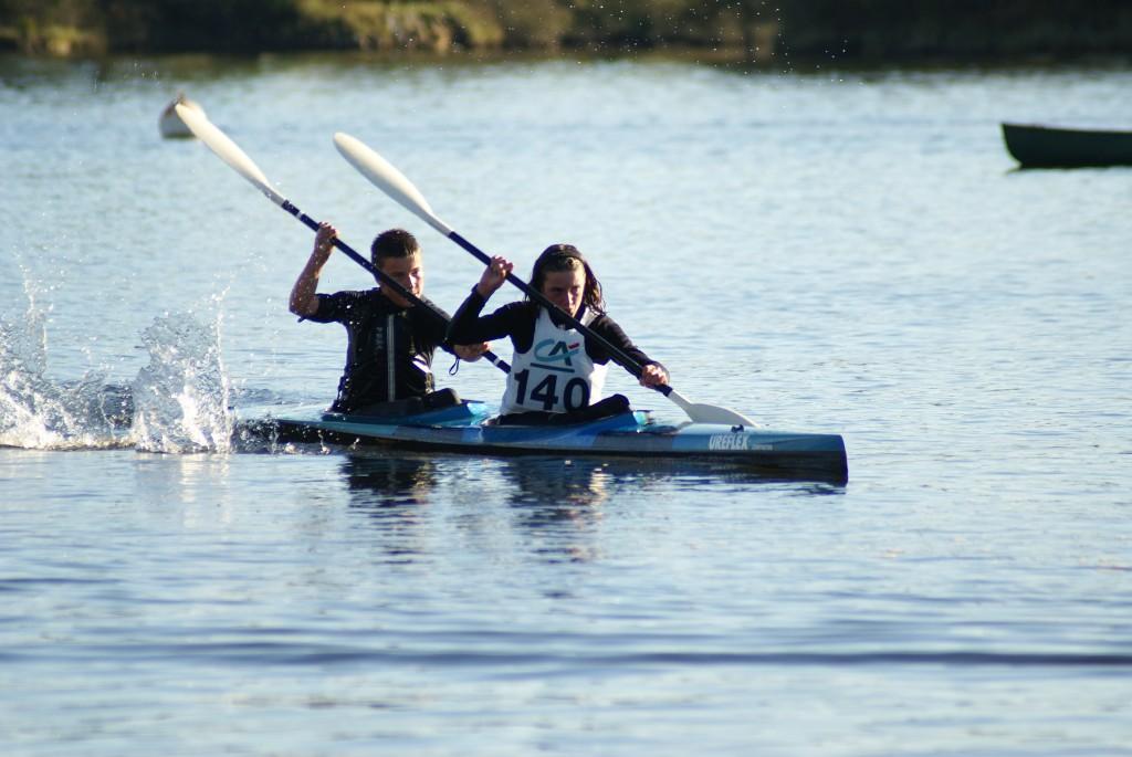 Dimanche 22 Novembre sous une météo ensoleillée ont eu lieu les championnats de Bretagne de Kayak course en Ligne à Lorient sur l'étang du Ter.
